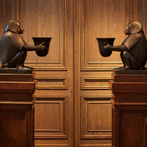 Настольные лампы Настольная лампа Art Deco Monkey от EICHHOLTZ